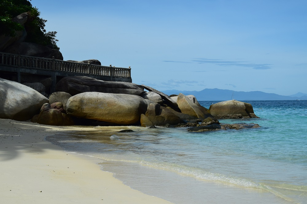 main_beach_perhentian_islands_besar