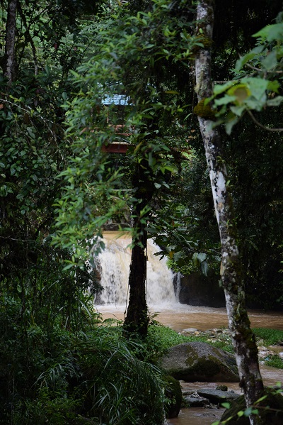 parit_waterfall_tanah_rata