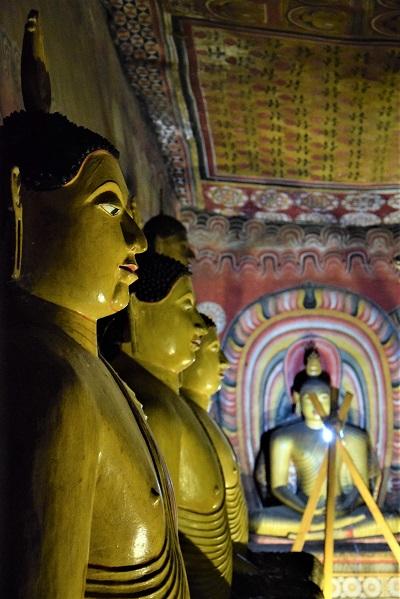 statue-bouddha-grotte-maharaja-vihara