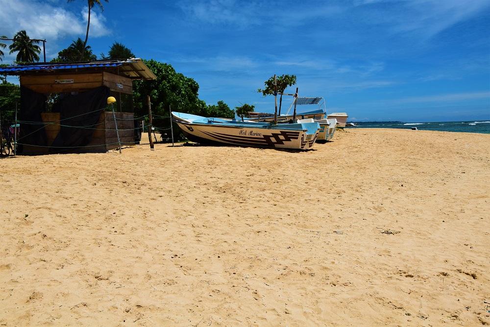 bateau_polhena_beach