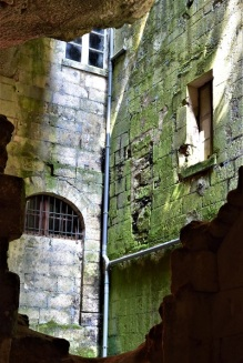 clocher_abbaye_brantôme_dordogne